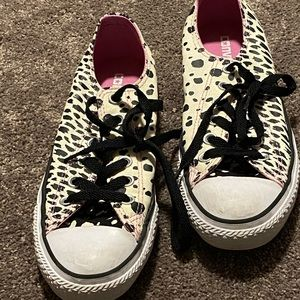 CONVERSE ANIMAL PRINT CHUCKS SZ 7.5